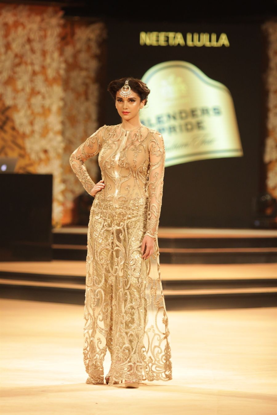 Aditi Rao Hydari Hot Stills at BPFT 2014 Day 1