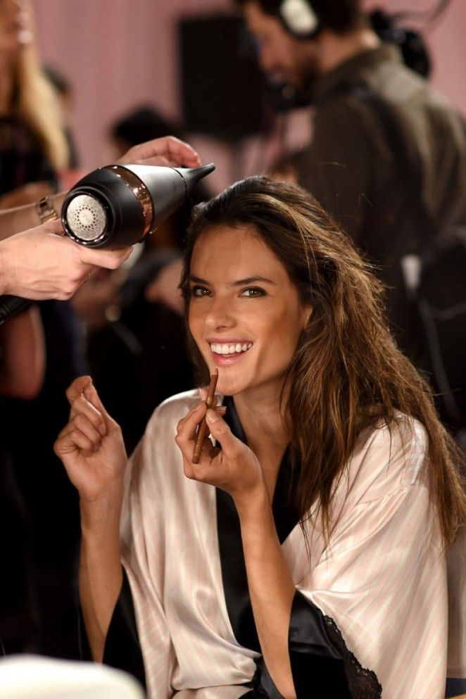 VS Angels - 2014 Victoria's Secret Show Backstage