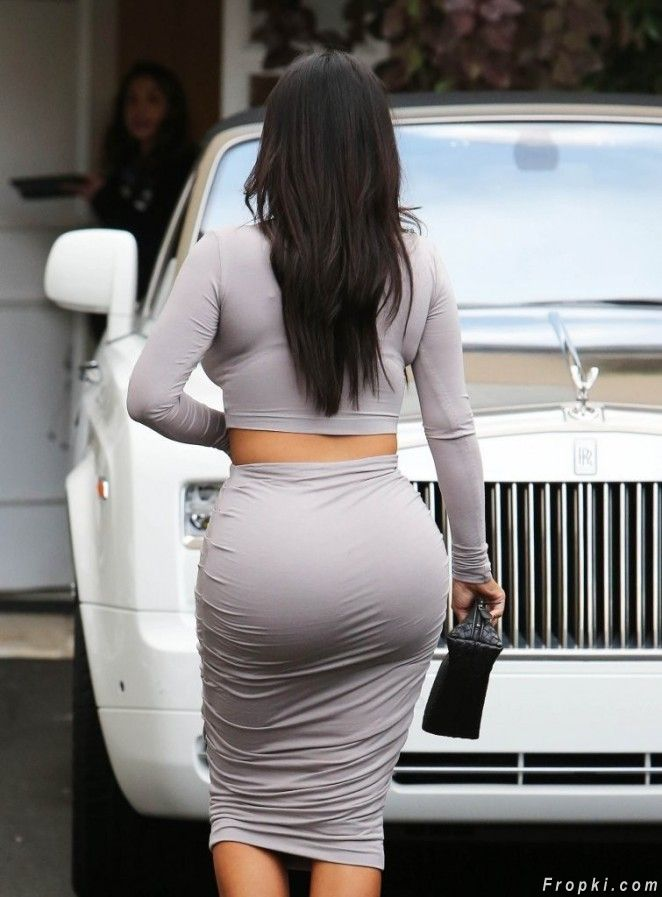 Kim Kardashian in Tight Dress out in Beverly Hills
