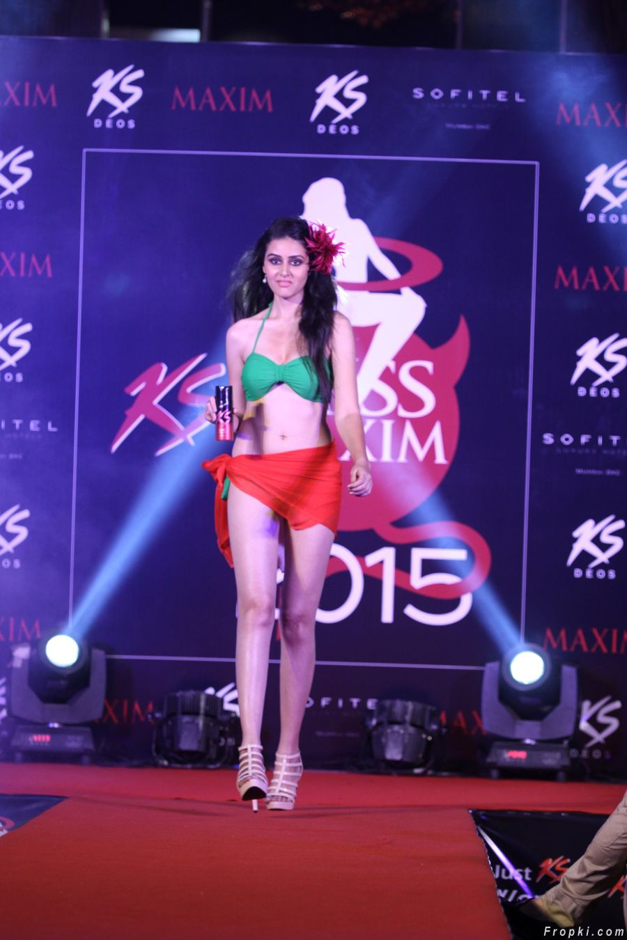Models Ramp Walk @ Grand Finale of Miss Maxim 2015