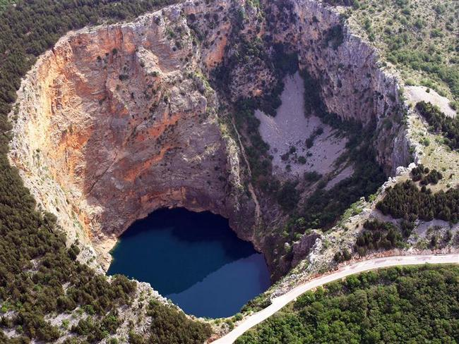 10 Massive Holes In The Earth's Crust