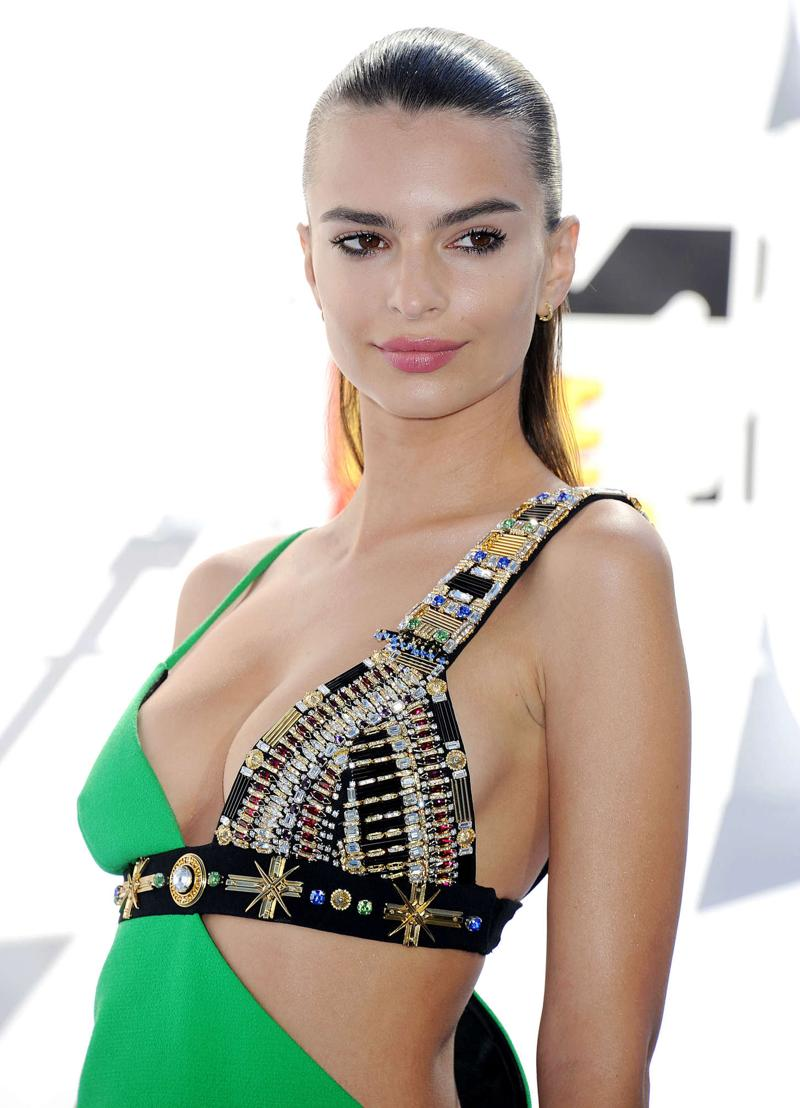 Emily Ratajkowski - 2015 MTV Movie Awards