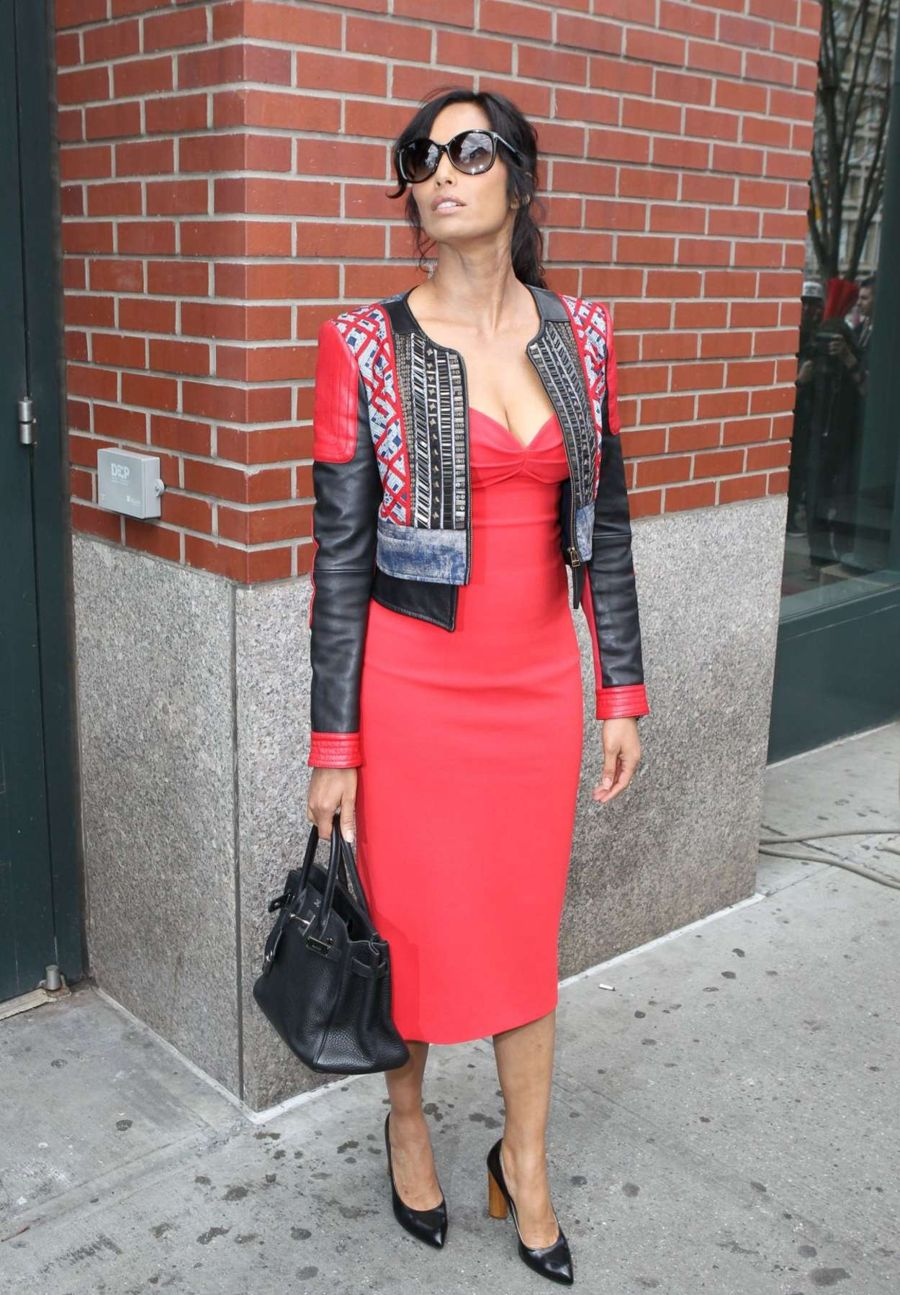 Padma Lakshmi - Leaves her Apartment in NY