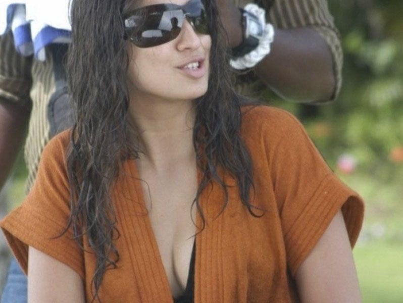 Lakshmi Rai to Feature in Bollywood Movie 'Akira'