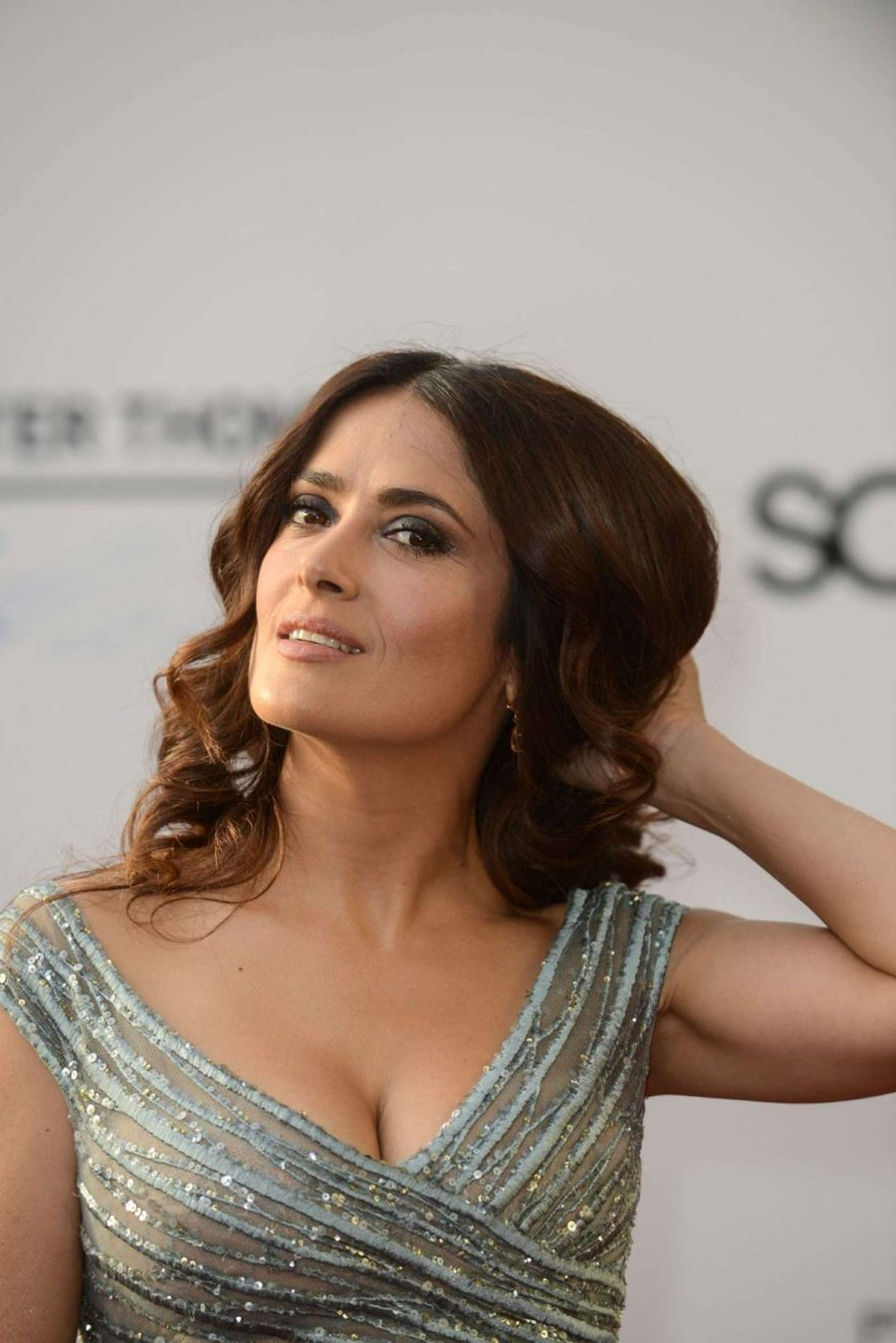 Salma Hayek looks utterly exquisite in Silver Gown