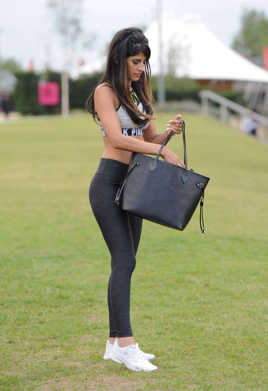 Jasmin Walia Shooting in Crop Top and Leggings