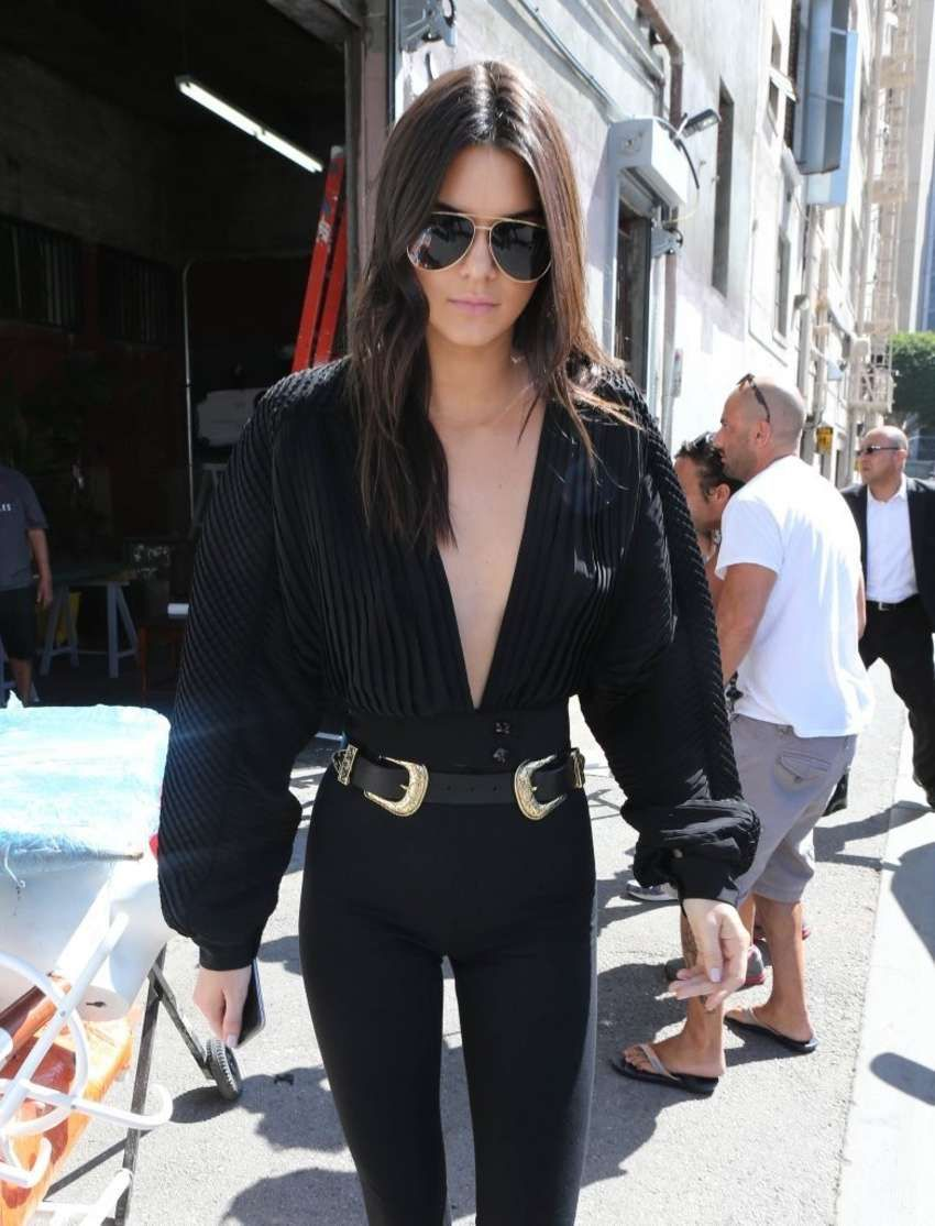 Kendall Jenner shows off her Supermodel Figure