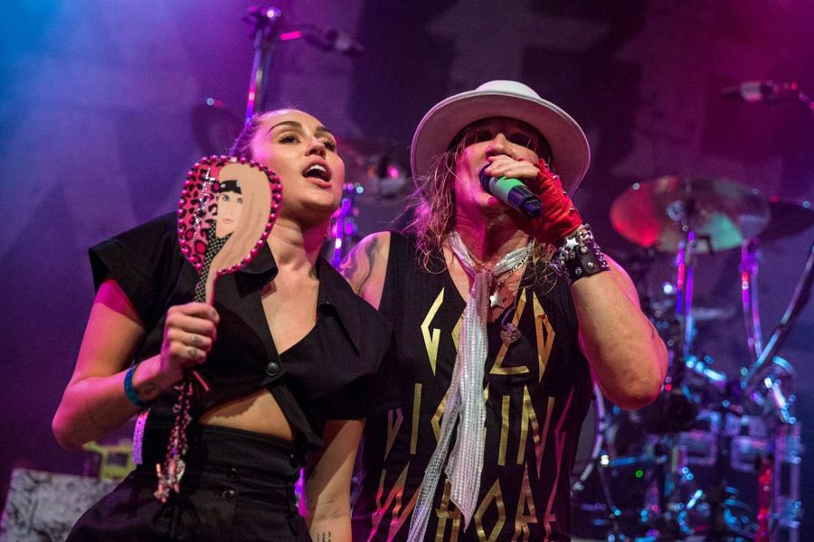 Miley Cyrus - Performs on Final show at House of Blues