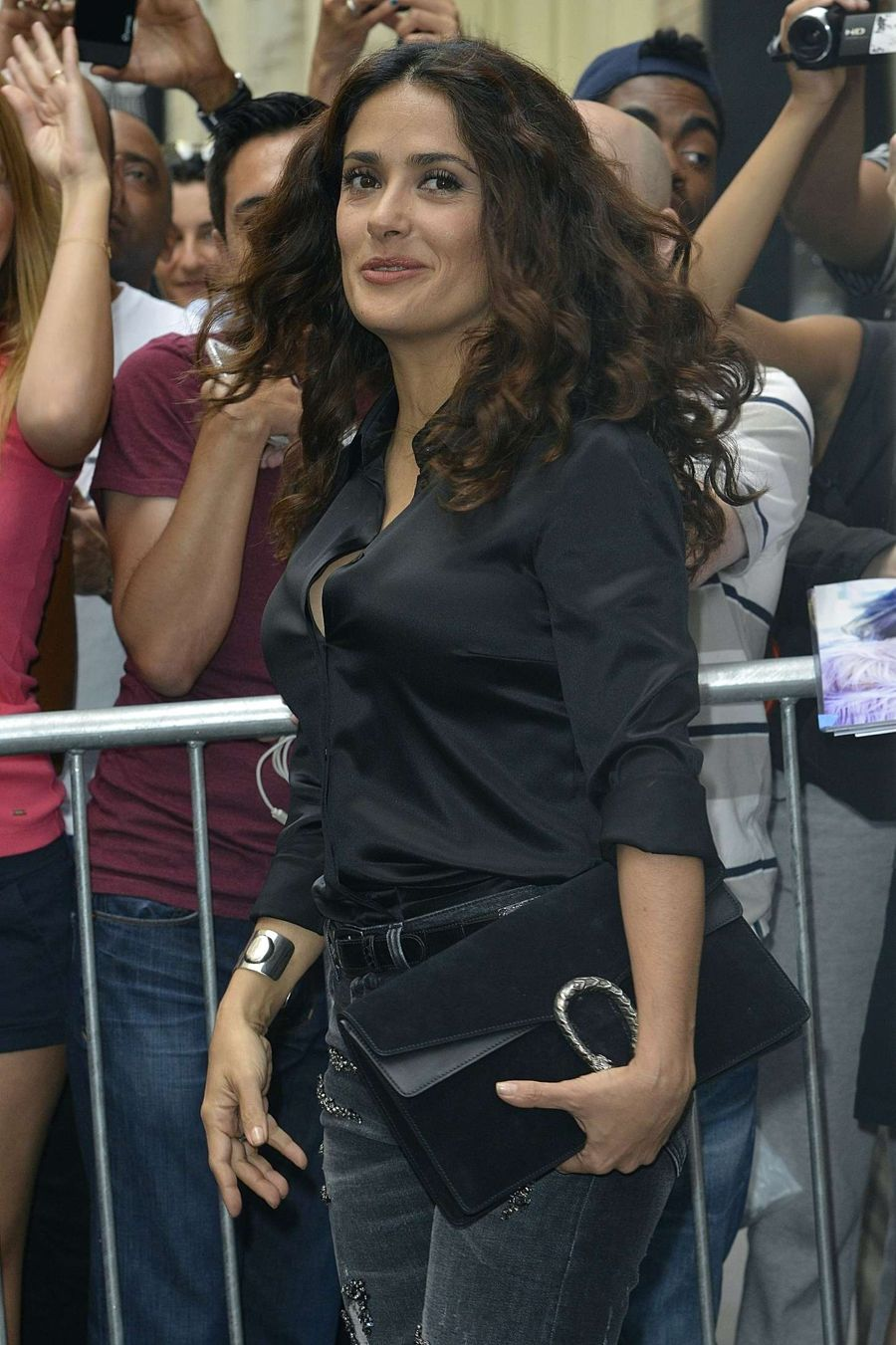 Salma Hayek in Tight Jeans at the Apple Store in NY