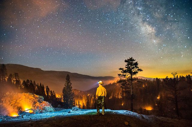 Photographer Braves Nature's Rage To Capture Beauty