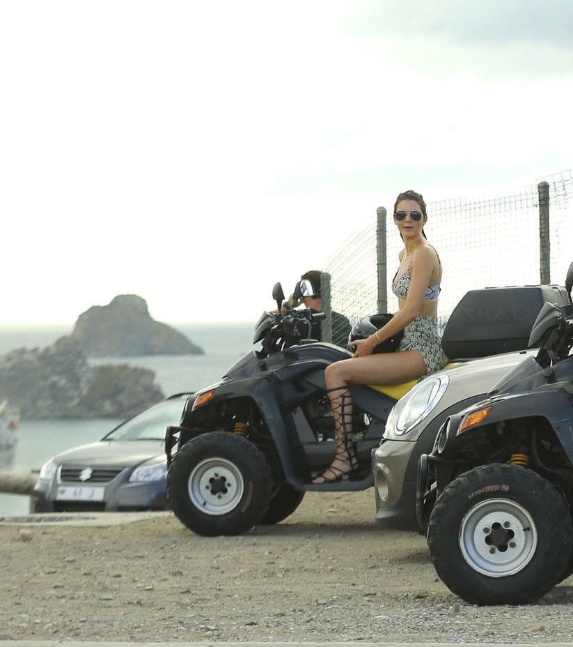 Kendall Jenner - Riding ATV's in St.Barts