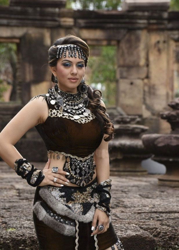 Vijay's Puli Movie Latest Pics