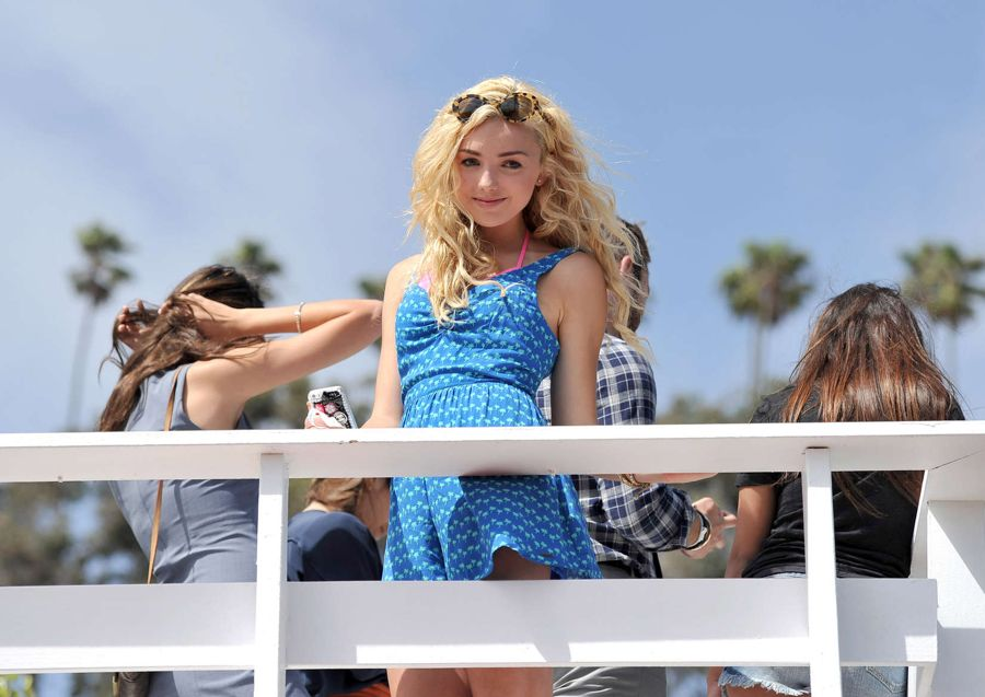 Peyton Roi List at the Hollister House in Santa Monica