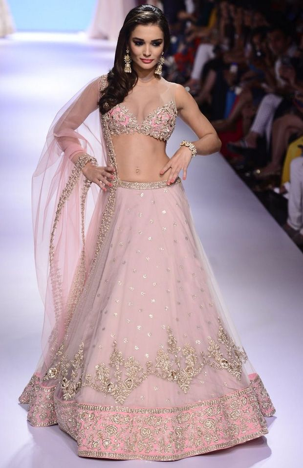 Amy Jackson opened the show for designer Anushree Reddy