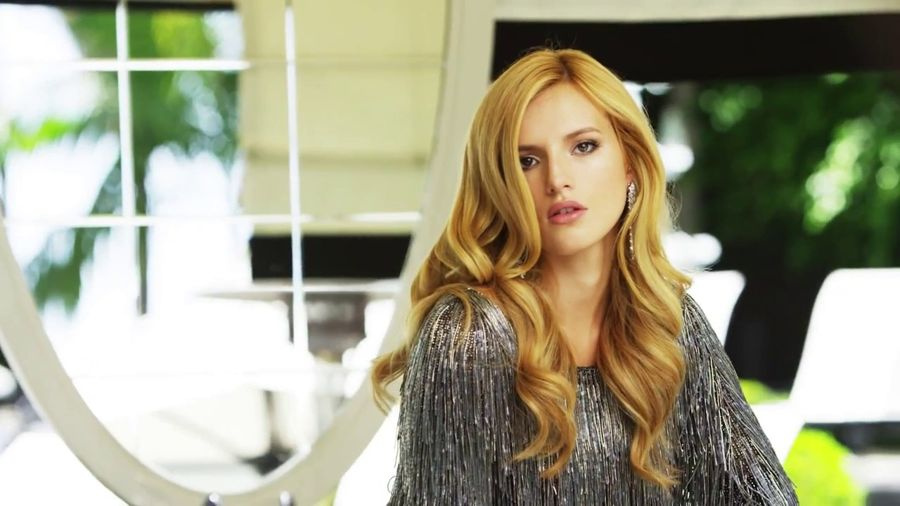 Bella Thorne - Glamour Mexico 2015 (Behind The Scenes)