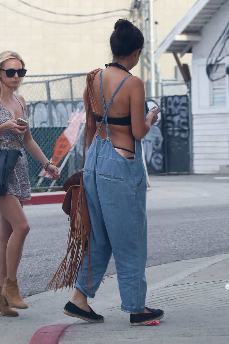 Selena Gomez - Out with friends in Venice