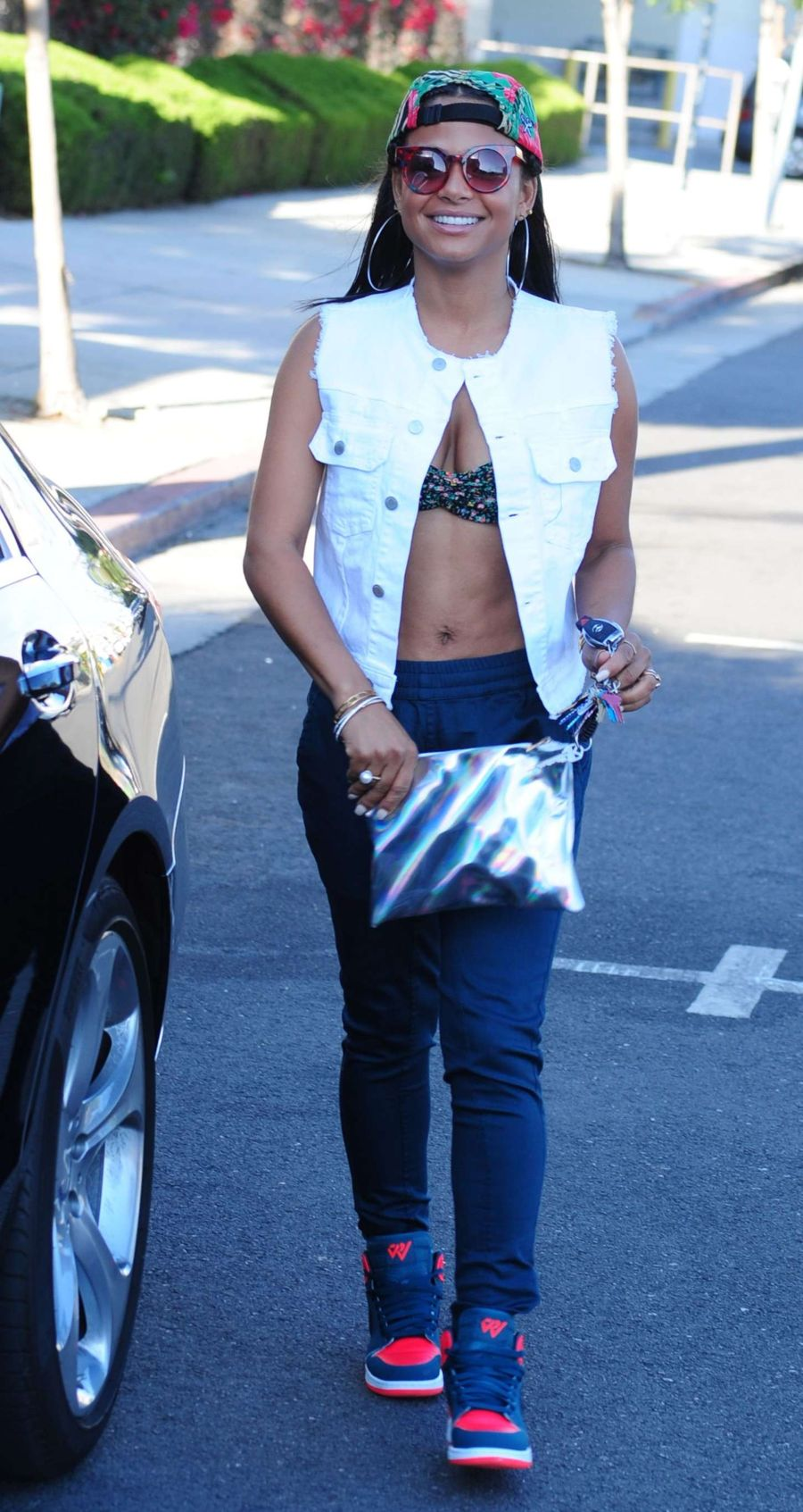 Christina Milian - Shopping at a Best Buy in Hollywood