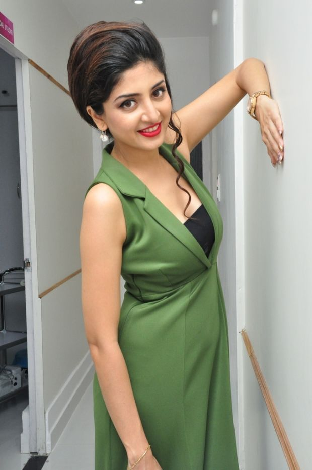 Poonam Kaur at Green Trends Salon Launch Photos