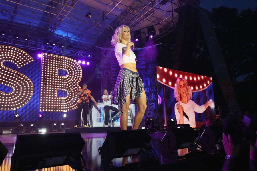 Julianne Hough - Lip Sync Battle LIVE At SummerStage