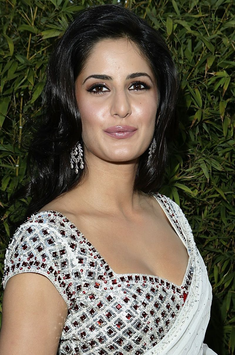 Katrina Kaif Sizzles In White Saree