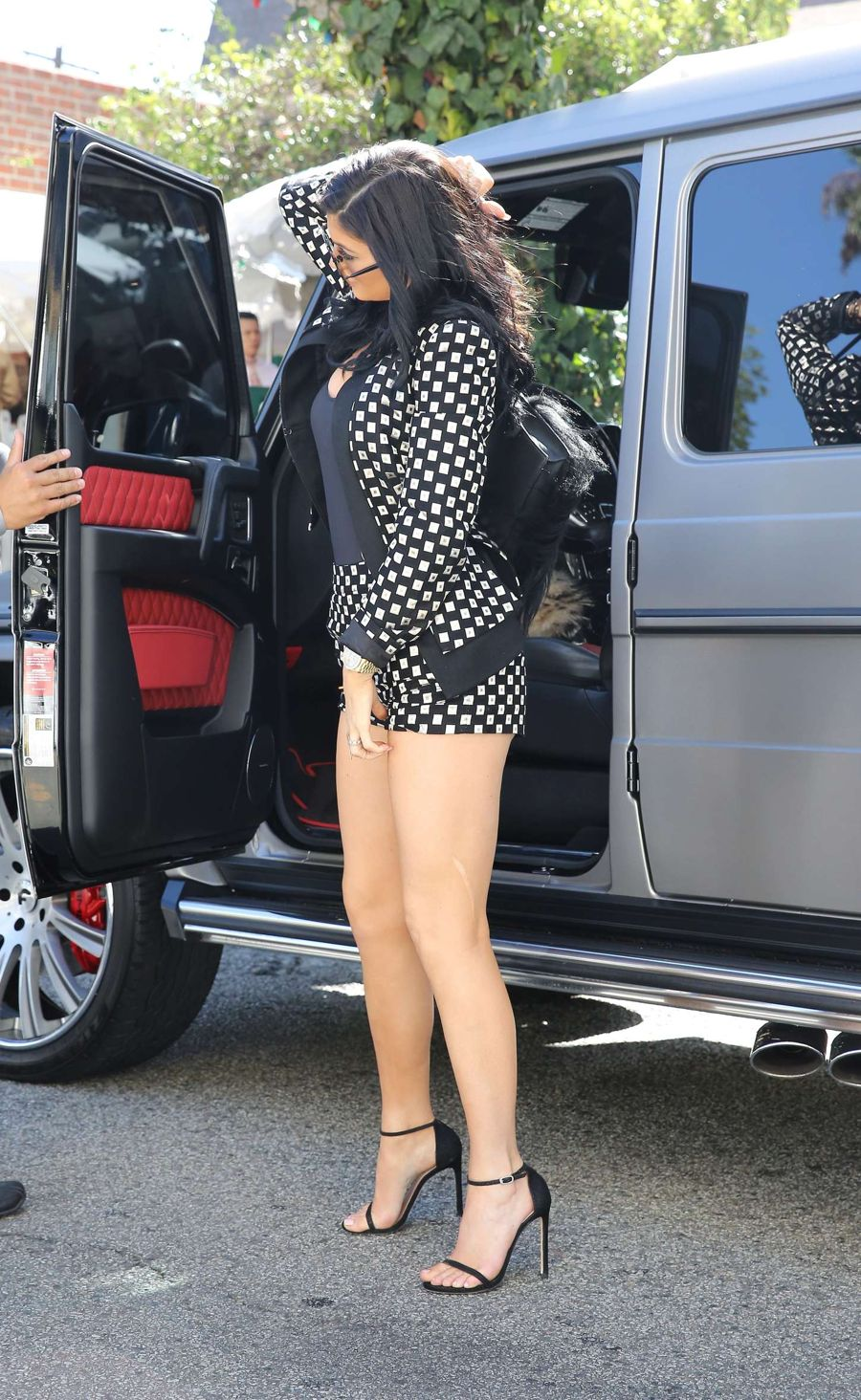 Kylie Jenner at Gas Station before Ivy Restaurant