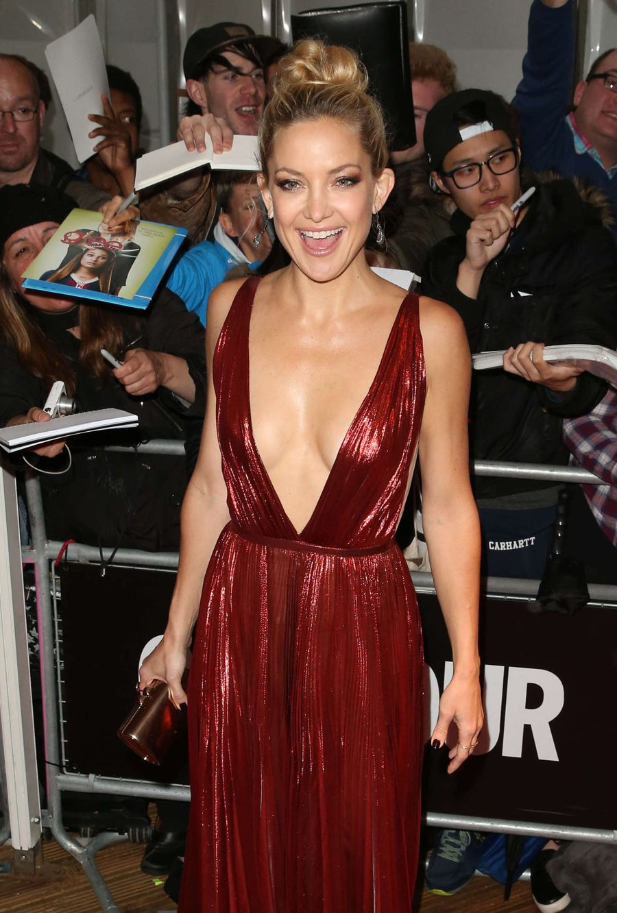 Kate Hudson Wows in Glamour Women Of The Year Awards