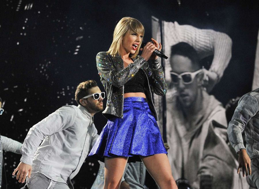 Taylor Swift - 1989 World Tour in Detroit