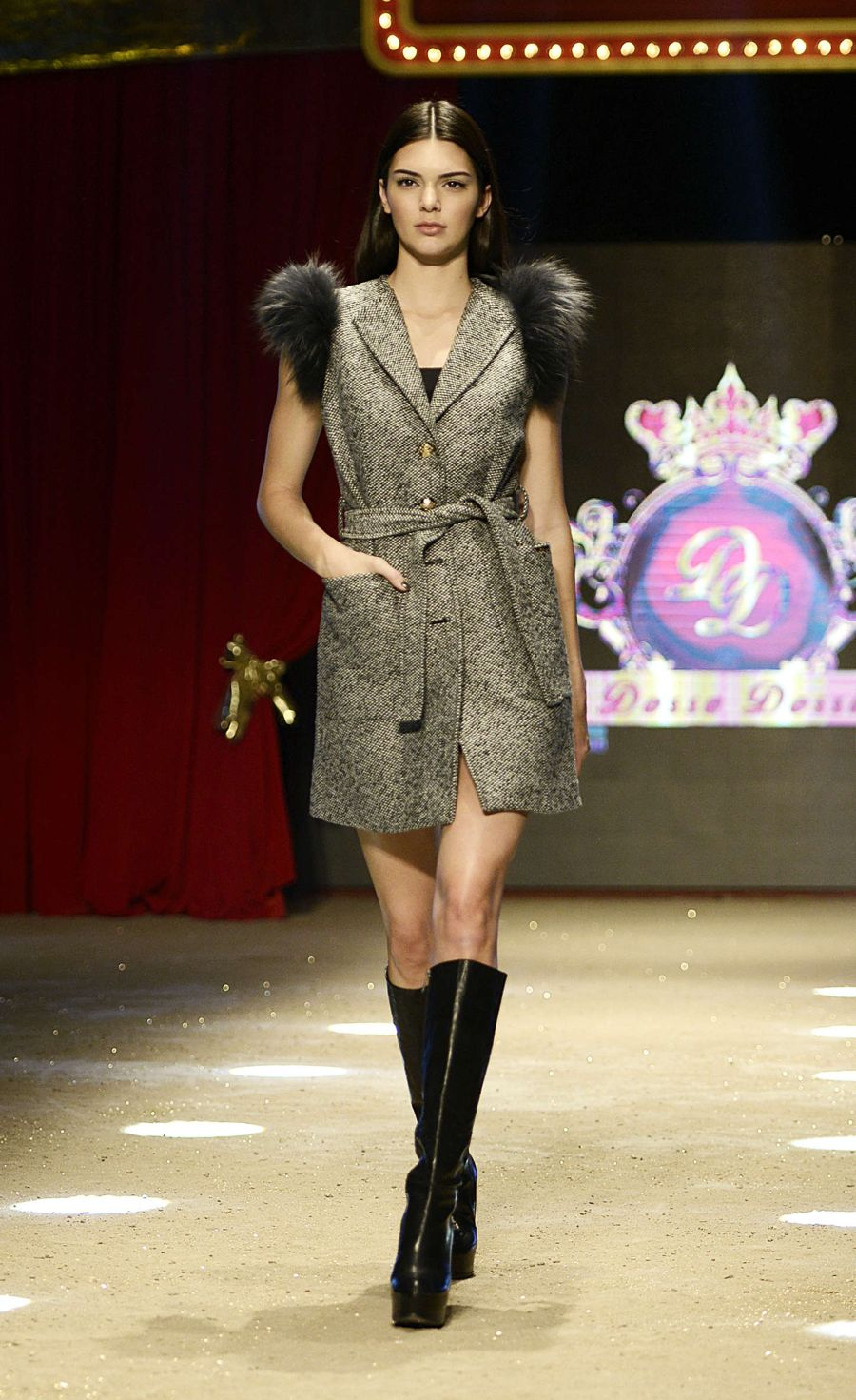 Kendall Jenner - Dosso Dossi Fashion Show in Antalya
