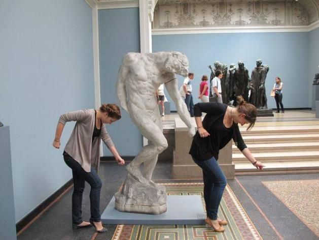 People Play With Statues, Comedy Ensues