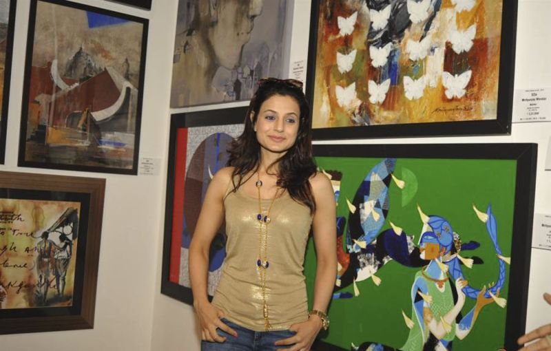 Ameesha Patel Inaugurates Colors of Life-Crafted Change