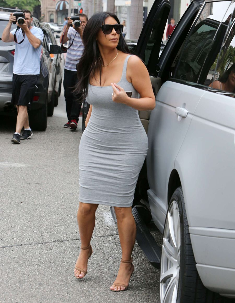 Pregnant Kim Kardashian Shopping In Beverly Hills