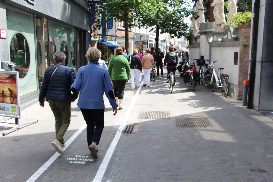 Phone Addicts Get Own Text-Walking Lanes