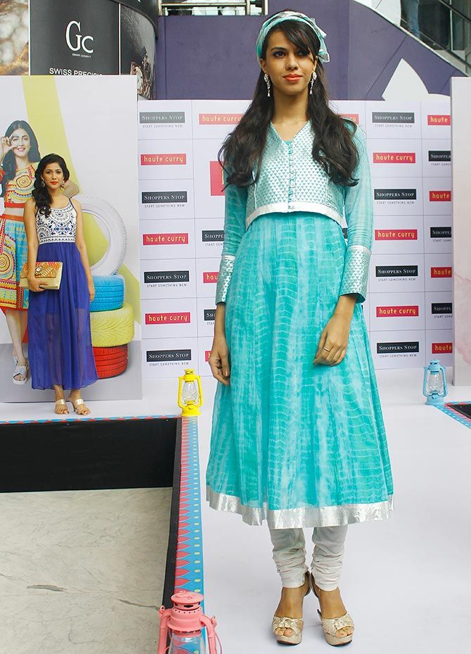 Shruti Hassan at Shoppers Stop to photograph her
