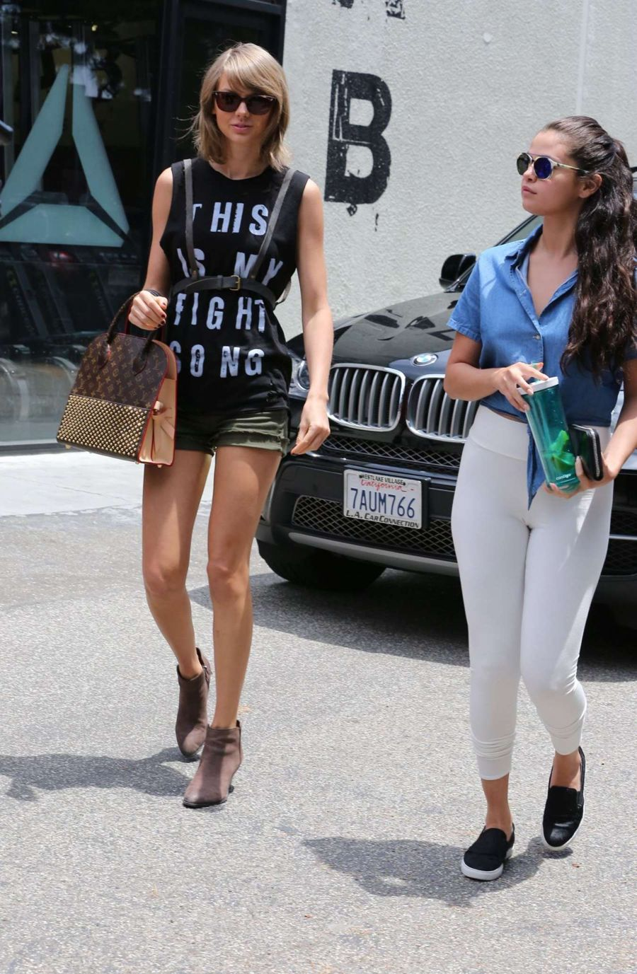 Selena Gomez Has Lunch With BFF Taylor Swift