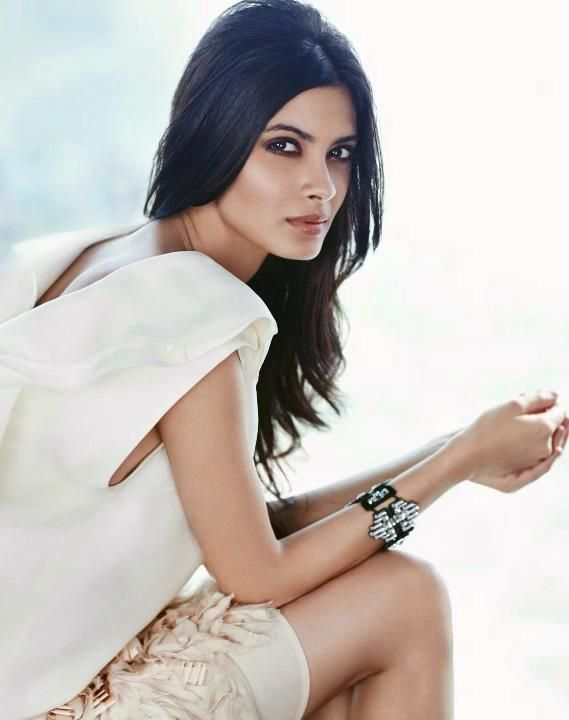 Diana Penty to star opposite Abhay Deol in Dolly Lahore Mein