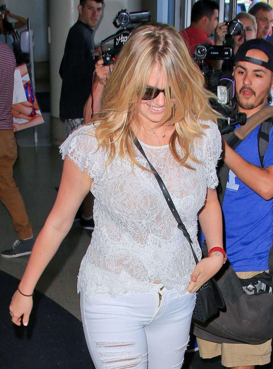Kate Upton - LAX airport in LA