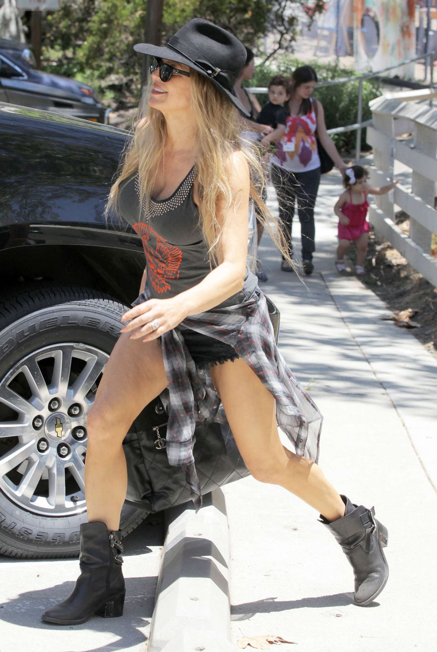 Fergie - Leaving a park in Brentwood