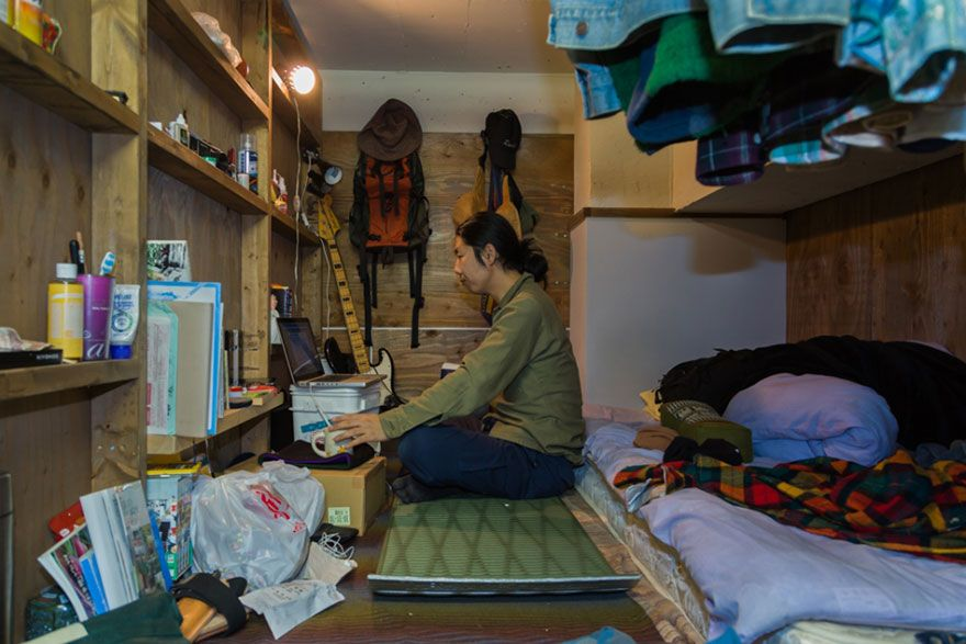 Shocking Pics Of Incredibly Tiny Rooms In Japan