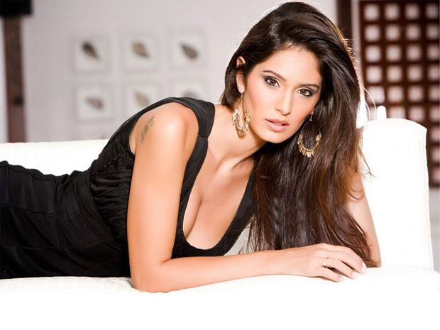 Bruna Abdullah photoshoot done by Karthik Srinivasan