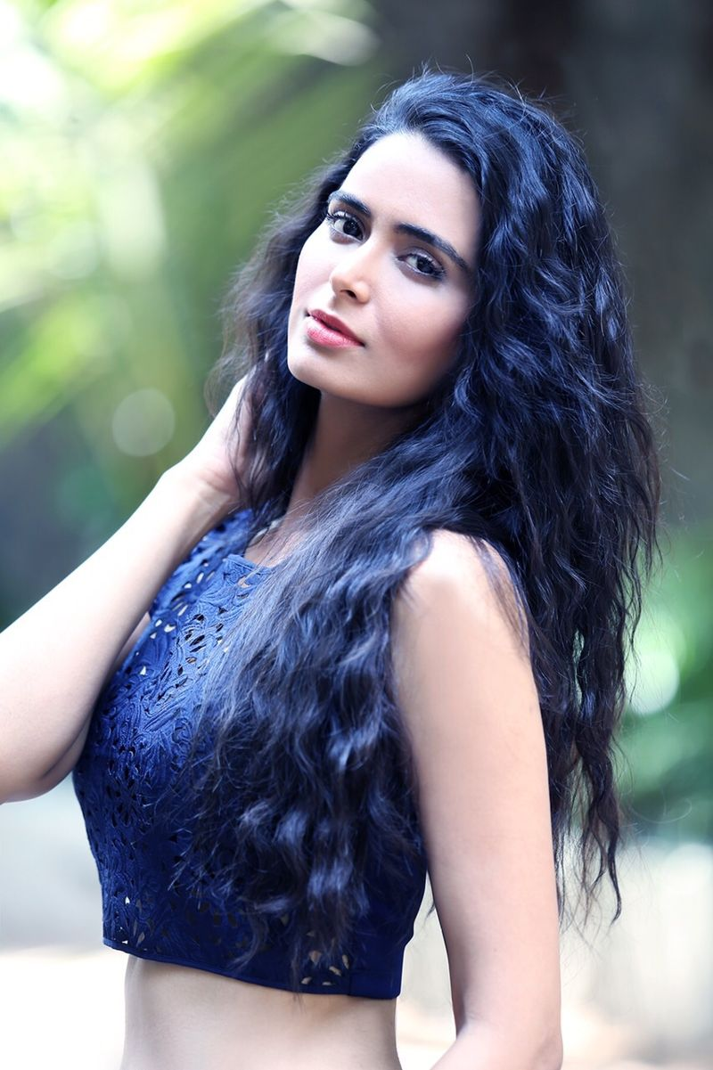 Meenakshi Dixit Latest Photos