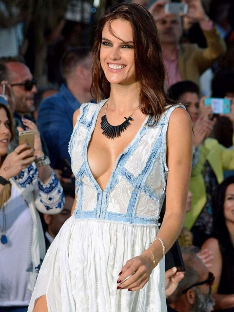 Alessandra Ambrosio – Replay Fashion Show in Mykonos