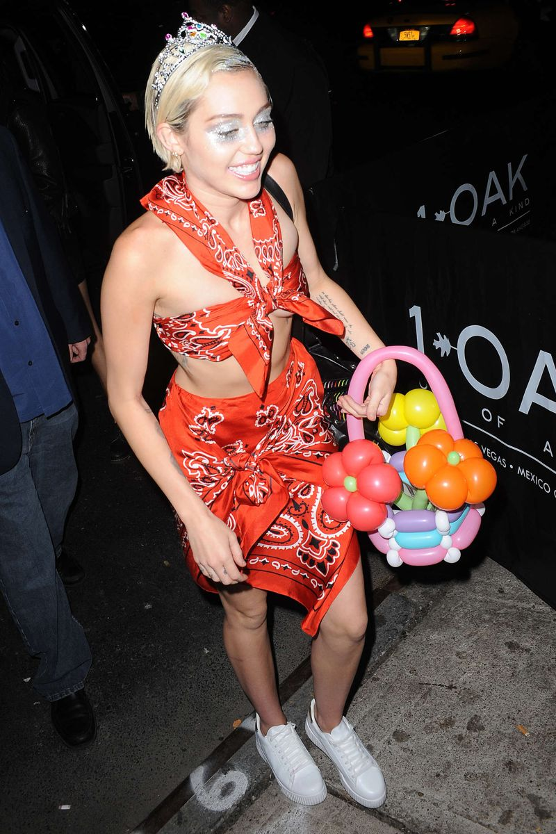 Miley Cyrus arrived at Up & Down nightclub