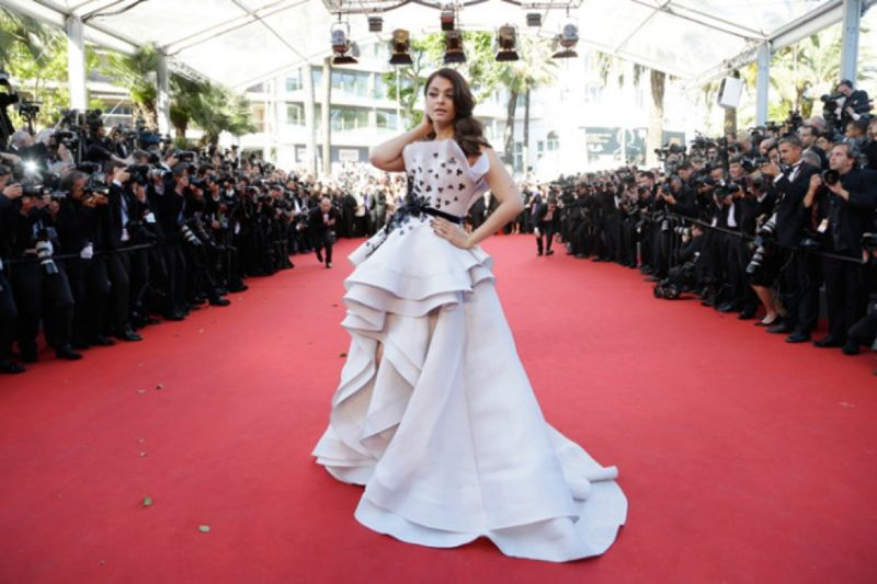 Aishwarya Rai Dazzled in Ralph & Russo gown at Cannes  2015