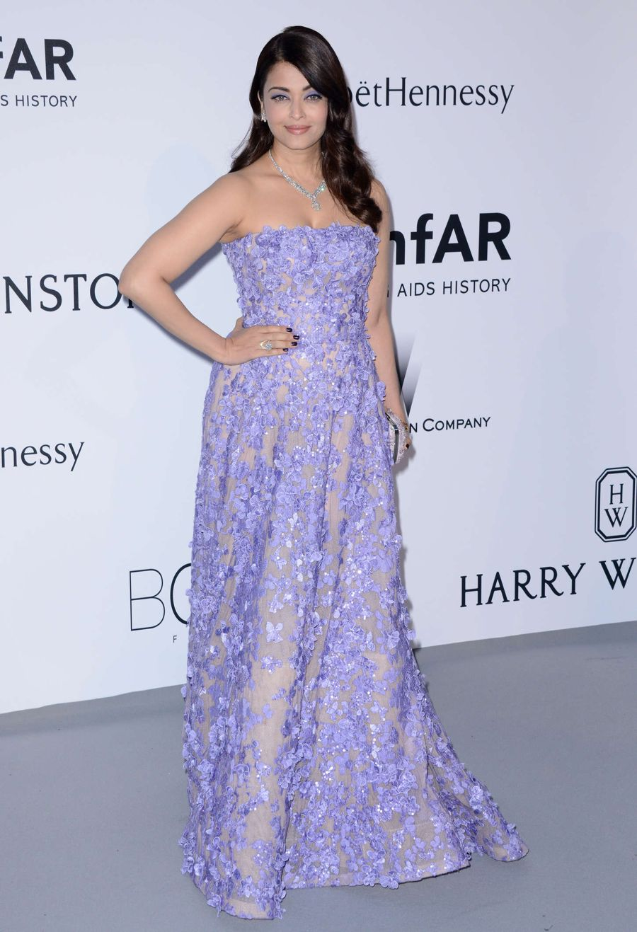 Aishwarya Rai is a Dream in Lavender for amfAR Gala