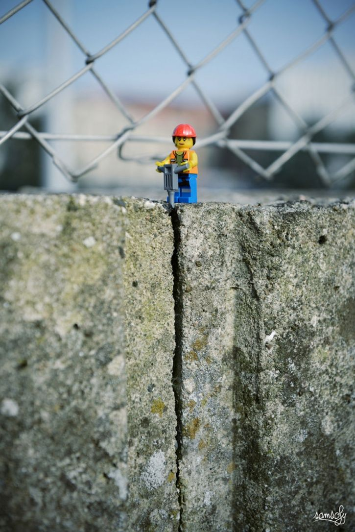 21 Incredible Miniature LEGO Adventures A Guy Created