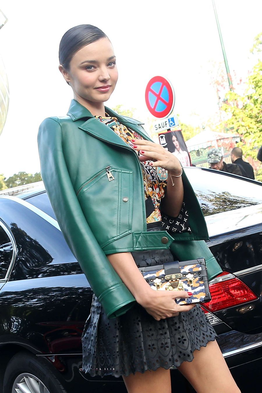 Miranda Kerr - Louis Vuitton Fashion Show in Paris