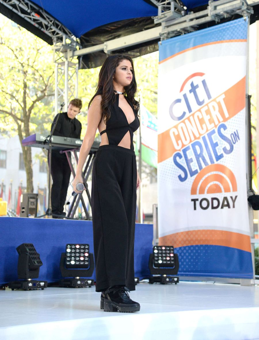 Selena Gomez - NBC's 'Today' at Rockefeller Plaza