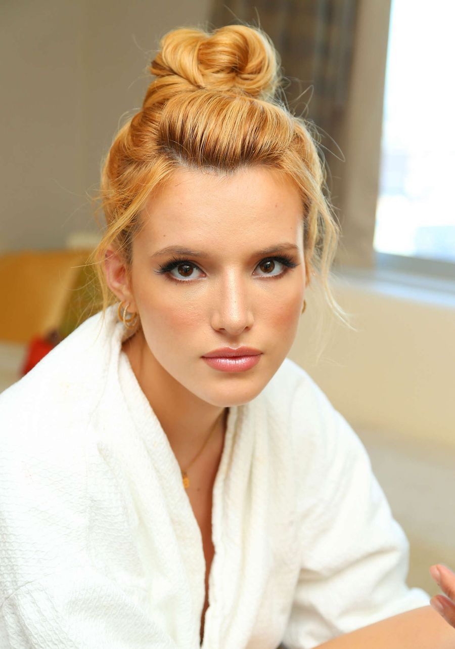 Bella Thorne - Getting Ready For 2015 MTV VMAs