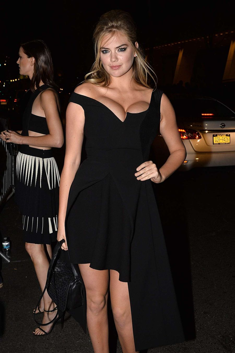 Kate Upton Steals Show at Harpers Bazaar ICONS Event