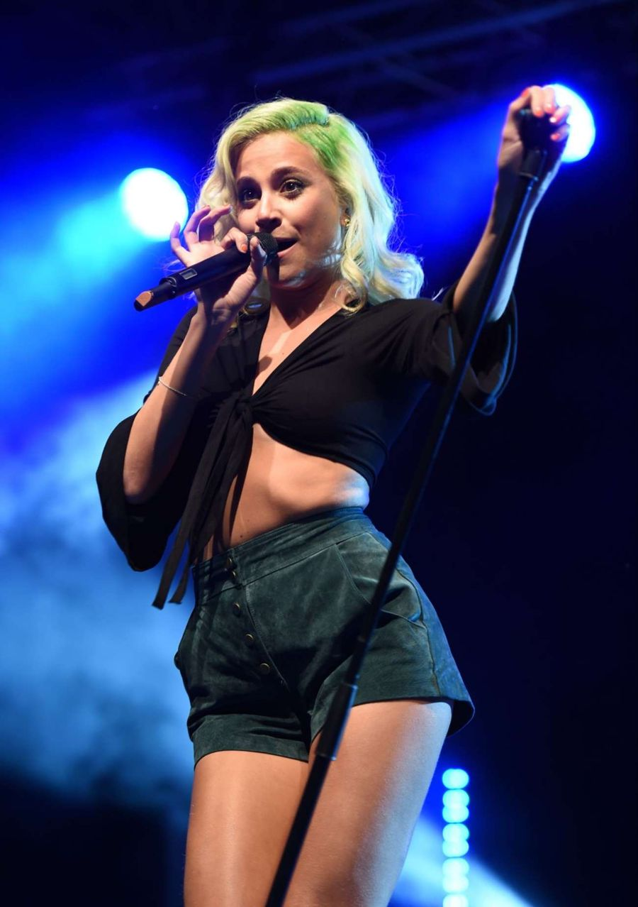 Pixie Lott - Performs at Festival in Warrington